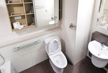 Trucuri simple pentru amenajările din baie şi bucătărie
