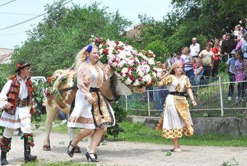 Traditii si obiceiuri de Rusalii. Ce nu trebuie sa faca in aceste zile de mare sarbatoare crestinii ortodocsi pentru a se feri de ghinion tot anul!