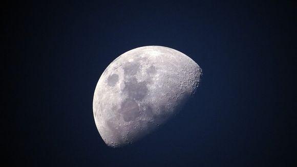 Horoscop Luna Albastra. Zodiile care au de trecut cumpene