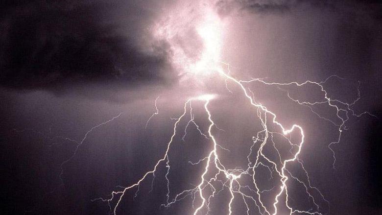 Vine potopul! Meteorologii antentioneaza: se pot cumula si 70 de litri pe metru patrat! Furtunile aduc Cod portocaliu de inundatii! Afla care sunt zonele vizate!