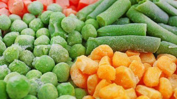 Alerta in Romania: fructele si legumele congelate din supermarket-uri ar putea fi infestate cu o bacterie contaminata! Lista completa cu produsele si magazinele afectate