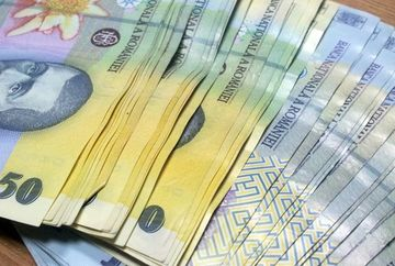 De la 1 decembrie Guvernul da bani in plus: 1.900 lei! Milioane de romani beneficiaza de masura, vezi daca te incadrezi