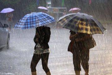 Vremea continua sa fie capricioasa in urmatoarea perioada! Meteorologii au emis un nou cod galben de ploi torentiale! Iata unde vor lovi furtunile astazi!
