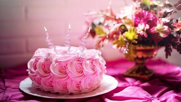 21 + mesaje de LA MULTI ANI pentru aniversari si zile onomastice - Alege urarile potrivite ocaziei!