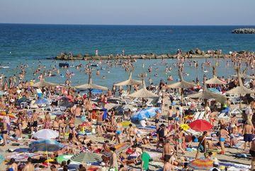 E panica pe litoralul romanesc: s-a descoperit bacteria E.coli in apa! Care sunt statiunile in care sanatatea ta e in pericol, au cea mai murdara si periculoasa apa