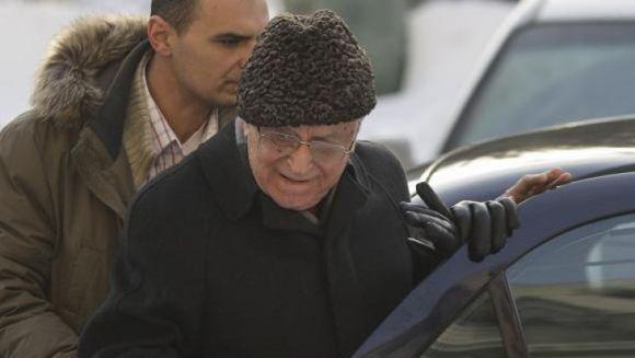 Ion Iliescu a ajuns de urgenta la spital