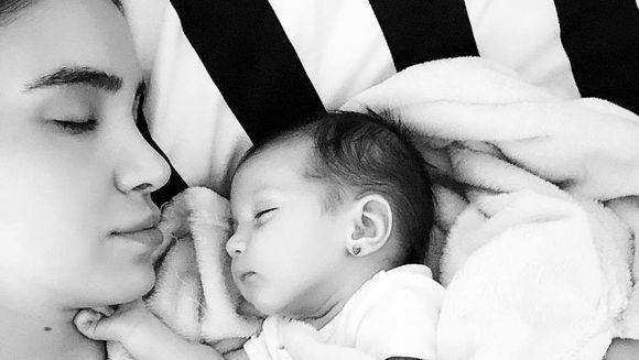 Prima sedinta foto a Adelinei Pestritu cu micuta Zeny! Ce au observat fanii la bebelusa la aproape o luna de la nastere?