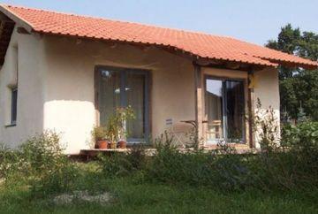 Cum arata casa care costa 1.000 de euro! Are 75 de metri patrati si rezista la cutremure si incendii