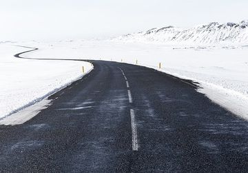 Iarna face prima victima! Un tanar a decedat din cauza frigului