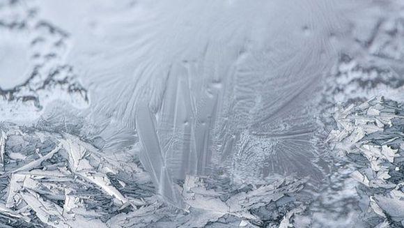 Iarna pune stapanire pe Romania: Temperaturi de -6 grade, viscol si drumuri inghetate