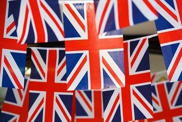 Anunt pentru romanii care lucreaza in Marea Britanie. Cum ii vor afecta deciziile luate de Guvern