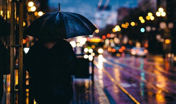 Ploi torentiale si temperaturi scazute in urmatoarea perioada. Ce zone sunt afectate