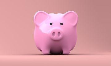 Romanii vor primi noi ajutoare financiare de la 1 ianuarie. Cine poate beneficia de bani dati de stat