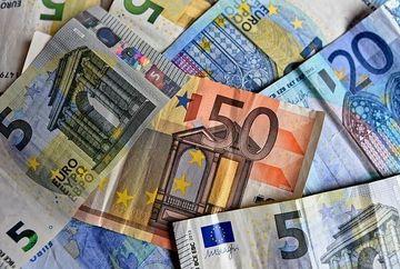 HOROSCOP BANI NOIEMBRIE 2018: Trebuie sa strangi cureaua mai tare in aceasta luna pentru a avea bani de Sarbatori