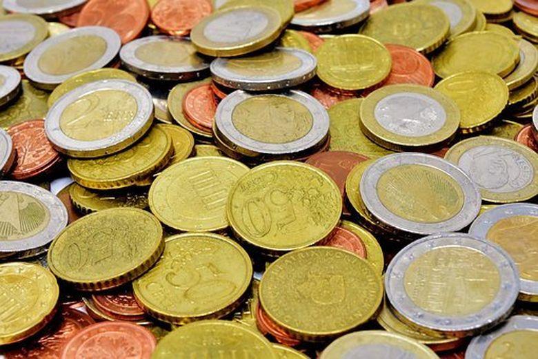 Ce se intampla daca pui o moneda de 50 de bani in coltul camerei. E uitimtor! Toti vor face asta dupa ce afla