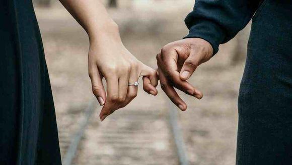 Aspecte pe care trebuie sa le cunosti inainte de a cumpara inelul de logodna
