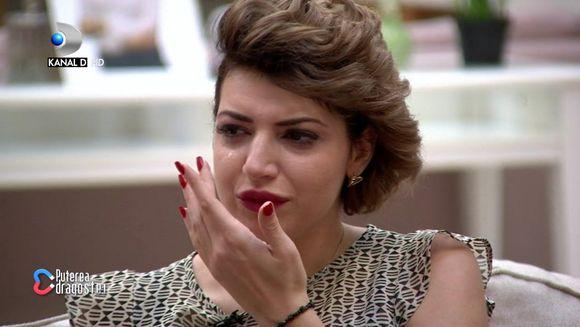 """Intalnirile din camera rosie au starnit ample controverse in casa """"Puterea dragostei""""! Aniela cu ochii in lacrimi! De ce a deranjat-o atitudinea fetelor!"""