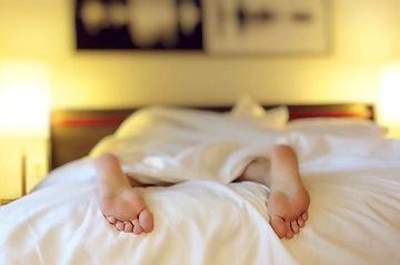 Ce poti pati daca dormi mai putin de opt ore pe noapte! Cercetatorii au o concluzie SOCANTA