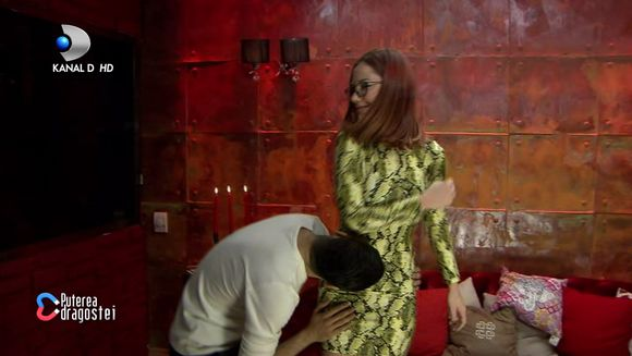 Adrian, propunere indecenta pentru Raluca in casa ''Puterea Dragostei'': ''Sa facem dragoste''