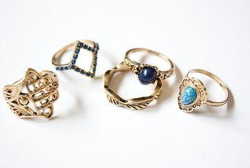 Pericolul din bijuterii! Cum iti afecteaza sanatatea accesoriile pe care le porti zilnic