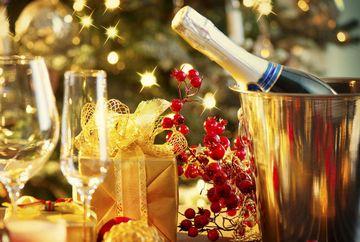 Superstitii de Revelion! Ce trebuie sa faci pentru a atrage norocul in dragoste!