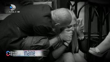 Raluca Marina se prabuseste la podea, in casa ''Puterea dragostei!''. Toti concurentii plang! Urmariti cine va parasi competitia in gala de ASTAZI, de la 15:30, pe Kanal D