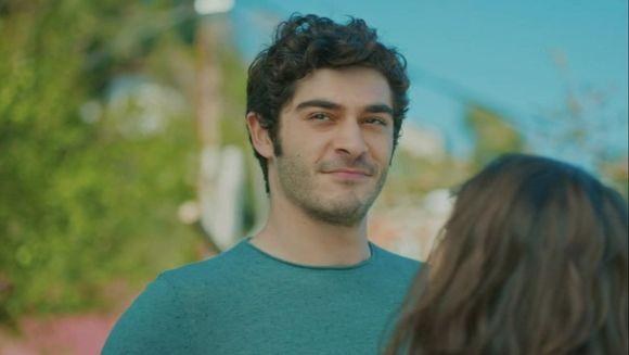 """Inca o lovitura dureroasa pentru Filiz! Afla ce decizie radicala va lua tanara in privinta lui Baris, in aceasta seara, intr-un nou episod din serialul """"Povestea noastra"""", de la ora 20:00, la Kanal D!"""