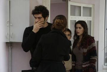 """Filiz si Baris se despart! Afla ce anume o determina pe tanara sa ia cea mai dificila decizie, in aceasta seara, intr-un nou episod din serialul """"Povestea noastra"""", de la ora 20:00, la Kanal D!"""