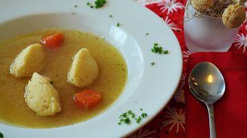 Cum faci cele mai pufoase galuste pentru supa de pui. Secretul, dezvaluit de bucatari!