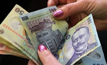Vesti bune: romanii primesc bani de la primarie in luna februarie, se dau intre 1.000 si 5.000 lei! De unde se ridica banii