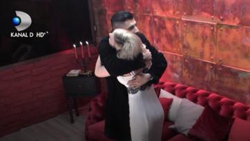 Larisa, fosta concurenta de la ''Puterea dragostei'' a spus totul despre relatia ei cu Adrian: ''Vreau sa va spun ca eu si Adrian suntem...''