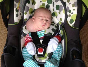 """Cazul unei mame disperate: """"Am crezut ca fiul meu s-a nascut cu doua capete"""""""