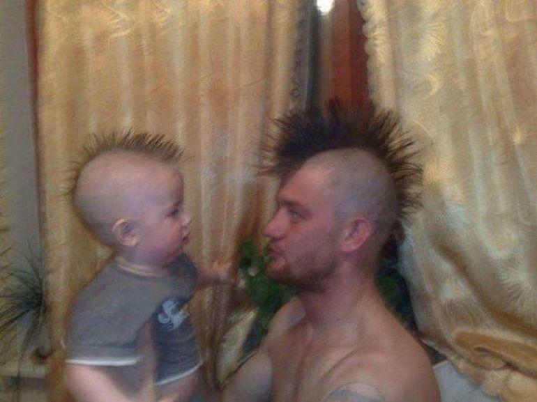 Asa tata asa fiu. Imagini care dovedesc acest lucru!