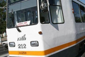 ACCIDENT in Bucuresti: Doua tramvaie s-au ciocnit in zona restaurantului Perla. Mai multe persoane au fost ranite