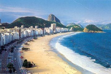 IMAGINI IREALE! Cum arata plaja din Copacabana in varf de sezon FOTO