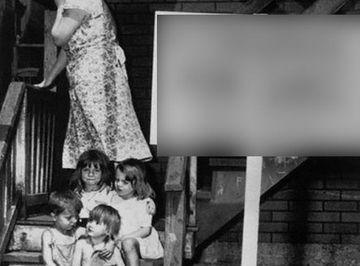 IREAL: Imaginea care A SOCAT o lume intreaga! Vezi ce MESAJ DUR ascunde pancarta din fata acestei case FOTO