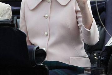 ASTEPTAREA a luat sfarsit! Kate Middleton a nascut un BAIETEL de 3,700 kilograme VIDEO