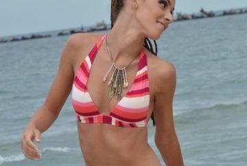 Ana Maria Barnoschi a facut SENZATIE pe plaja. Vedeta Kanal D arata incredibil de sexy in costum de baie GALERIE FOTO