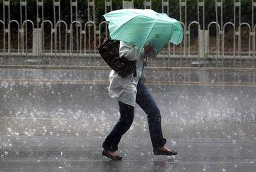 Meteorologii AVERTIZEAZA: ploi torentiale, vant si grindina pana sambata. Vezi ce zone sunt afectate