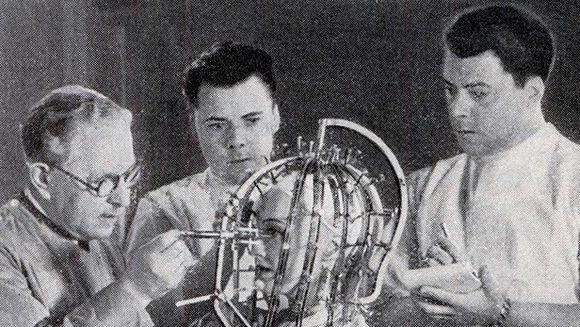TRATAMENTE INSPAIMANTATOARE la care recurgeau FEMEILE in anii 1920! GALERIE FOTO