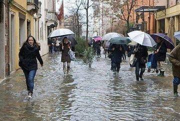 PROGNOZA METEO: Vremea va fi in general instabila! Vezi cat va mai ploua joi si vineri