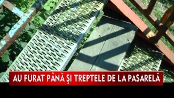 Ce RUSINE! Ambasadorul Belgiei, intors din drum dupa ce a constatat ca pasarela pe care a vrut sa traverseze drumul, nu are scari VIDEO