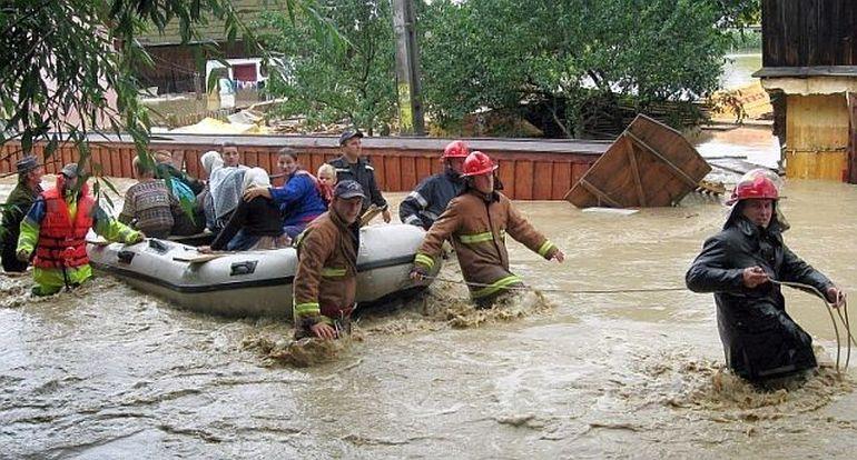 Raurile se revarsa! COD PORTOCALIU de inundatii in mai multe judete din tara. Vezi ce zone sunt afectate