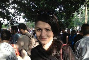IFFET a participat si ea la protestele din Istanbul! Uite-o pe actrita Deniz Cakir in mijlocul protestatarilor FOTO