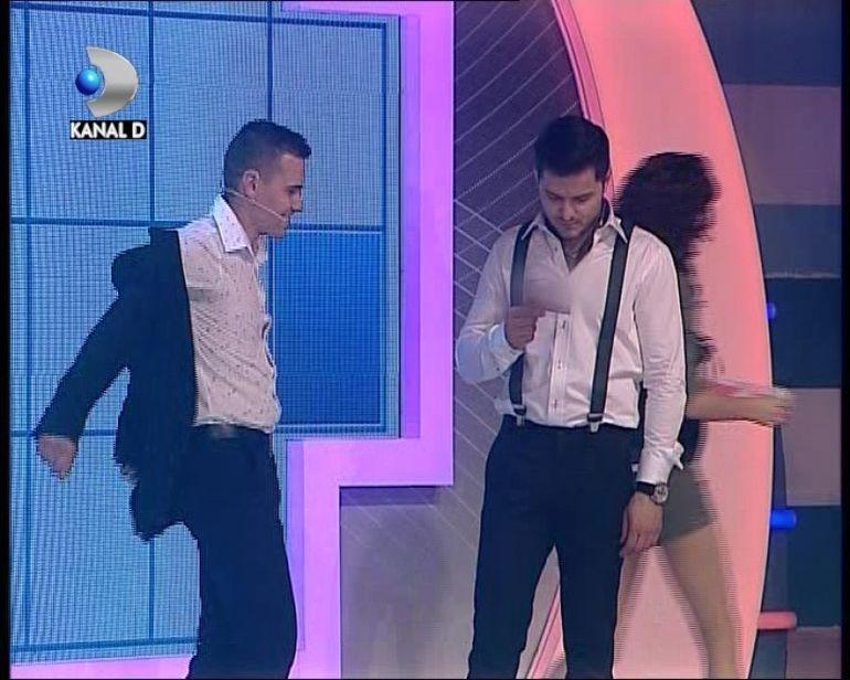 "MOMENT INCENDIAR la ""Roata norocului""! Ana Maria Barnoschi catre un concurent: ""Te rog frumos sa te dezbraci!"""