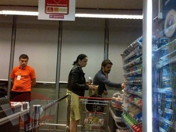EXCLUSIV! Andreea Marin a iesit in lume cu turcul ei! Cei doi au iesit in Bucuresti la cumparaturi
