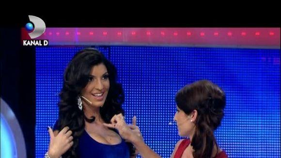"""Andreea Tonciu, ADEMENITA de SANII unei concurente de la """"Jumatatea mea stie: """"Ia sa vad, tu ai silicoane, ca le ai ca ale mele?!"""" VIDEO"""