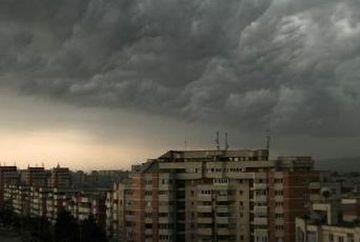 AVERTIZARE METEO: COD PORTOCALIU de ploi si vijelii. Vezi ce zone sunt vizate