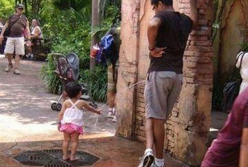 Poza care face FURORI pe Facebook! Ce crezi ca face tatal din imagine cu fiica lui? MILIOANE de oameni au fost ORIPILATI FOTO