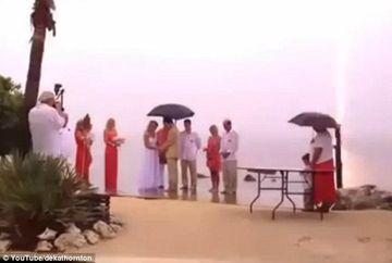 La asa ceva nu va asteptati! Ce au patit doi miri in momentul ceremoniei VIDEO